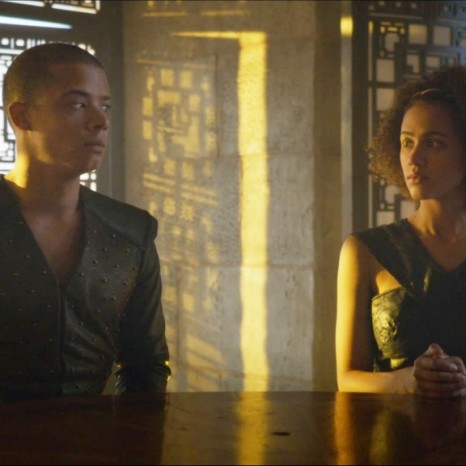 93-Missandei-Grey-Worm-look-1024x576