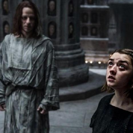 Tom-Wlaschiha-as-Jaqen-Hghar-Maisie-Williams-as-Arya-Stark-in-Game-of-Thrones-S5